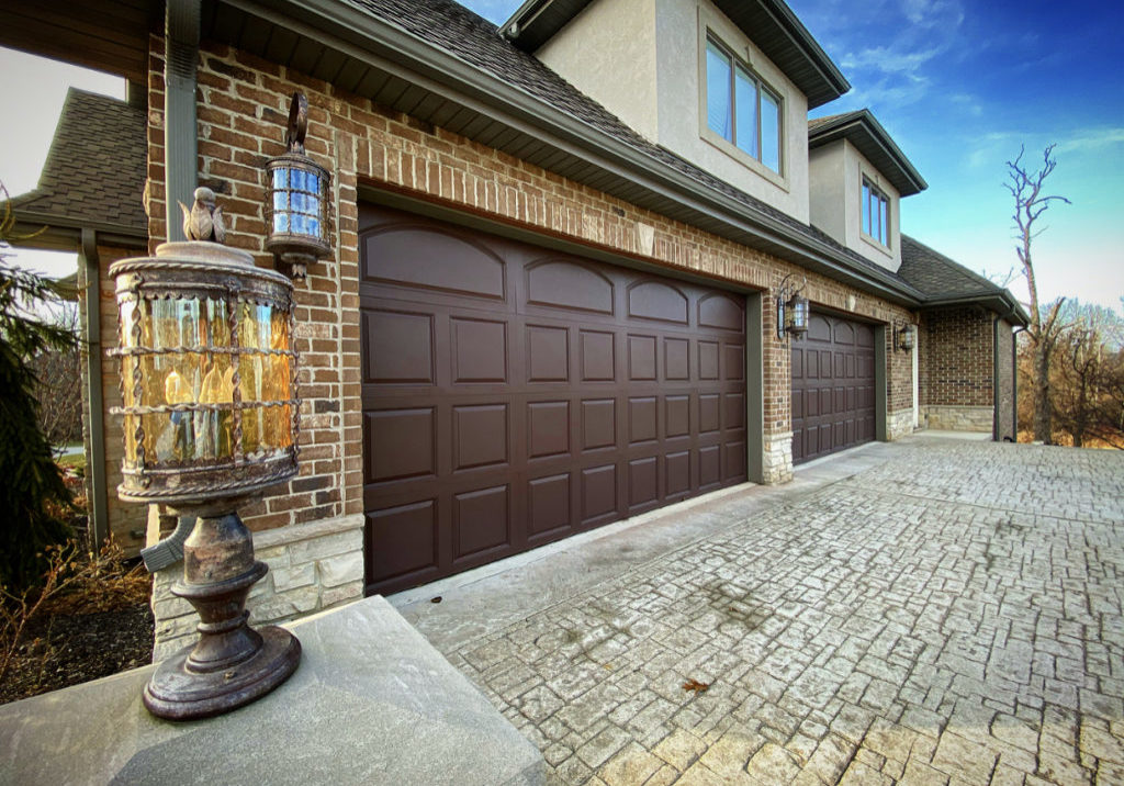 Brown Garage Door (1)